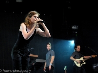 christine-and-the-queens-lowlands-2015-fotono_017