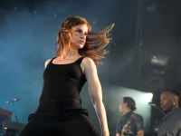 christine-and-the-queens-lowlands-2015-fotono_023