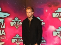 mtv_ema_2013_red_carpet_023