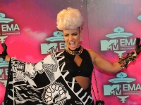 mtv_ema_2013_red_carpet_024