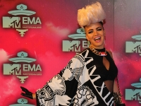 mtv_ema_2013_red_carpet_025