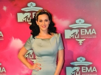 mtv_ema_2013_red_carpet_046