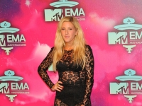 mtv_ema_2013_red_carpet_049
